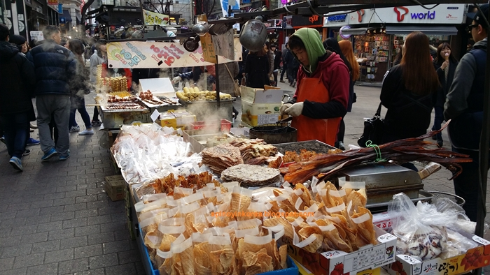 20150314_164903Myeongdong%20Street%20Food%20Alley.jpg