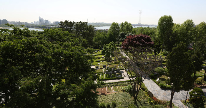 Yanghwajin Foreign Missionary Cemetery looked from above